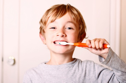 At What Age Should You Teach Your Children to Brush Their Own Teeth?